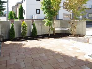 花木が映える使い勝手の良い「シンプルな器」 札幌市清田区W様邸5